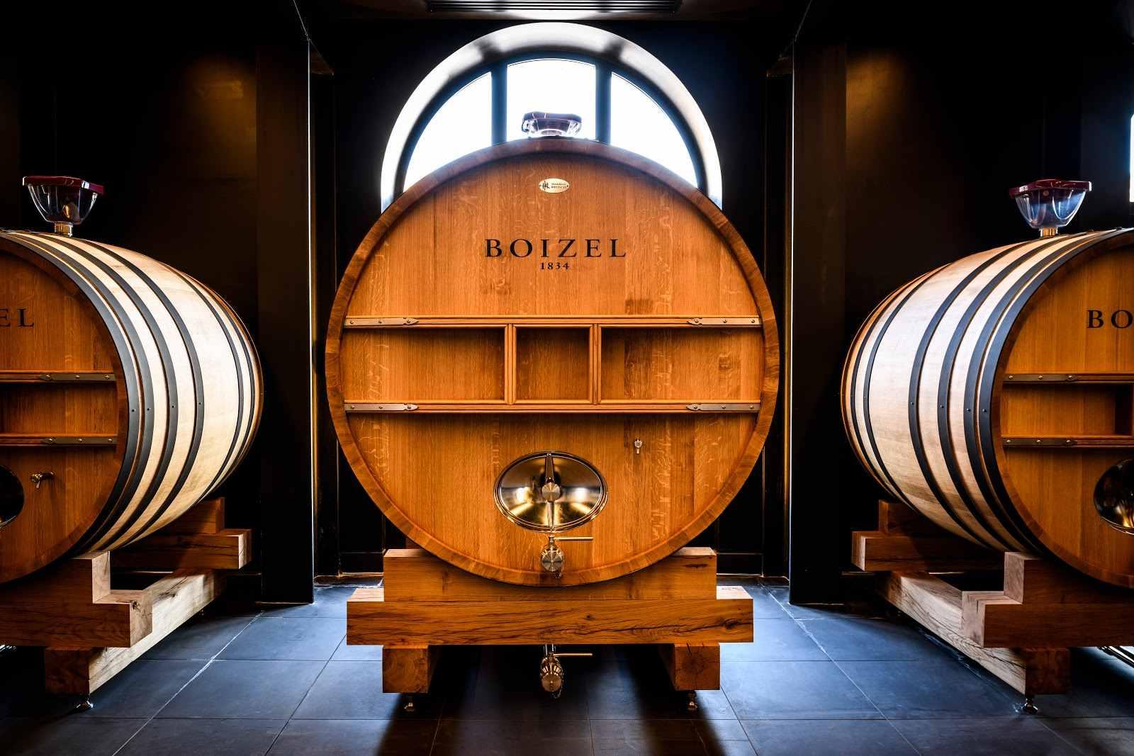 Tonneaux de vieillissement du champagne Boizel