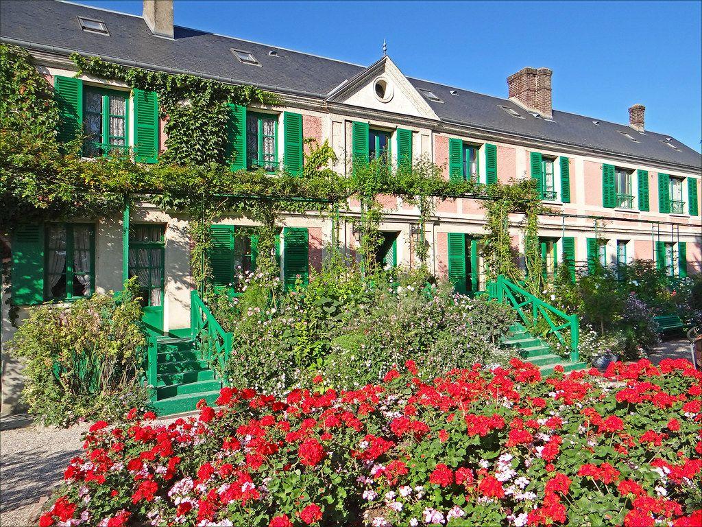 Façade de la Maison de Claude Monet