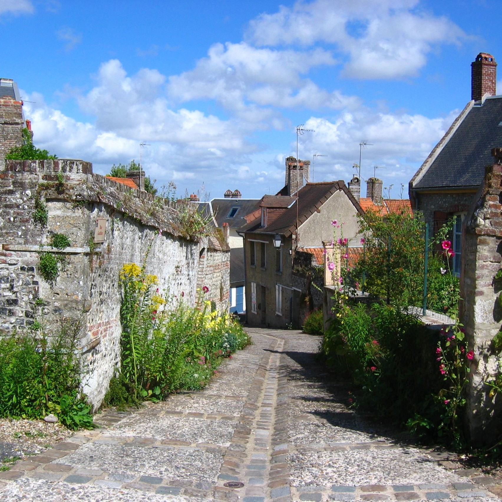 Rues fleurie de Saint Valéry sur Somme
