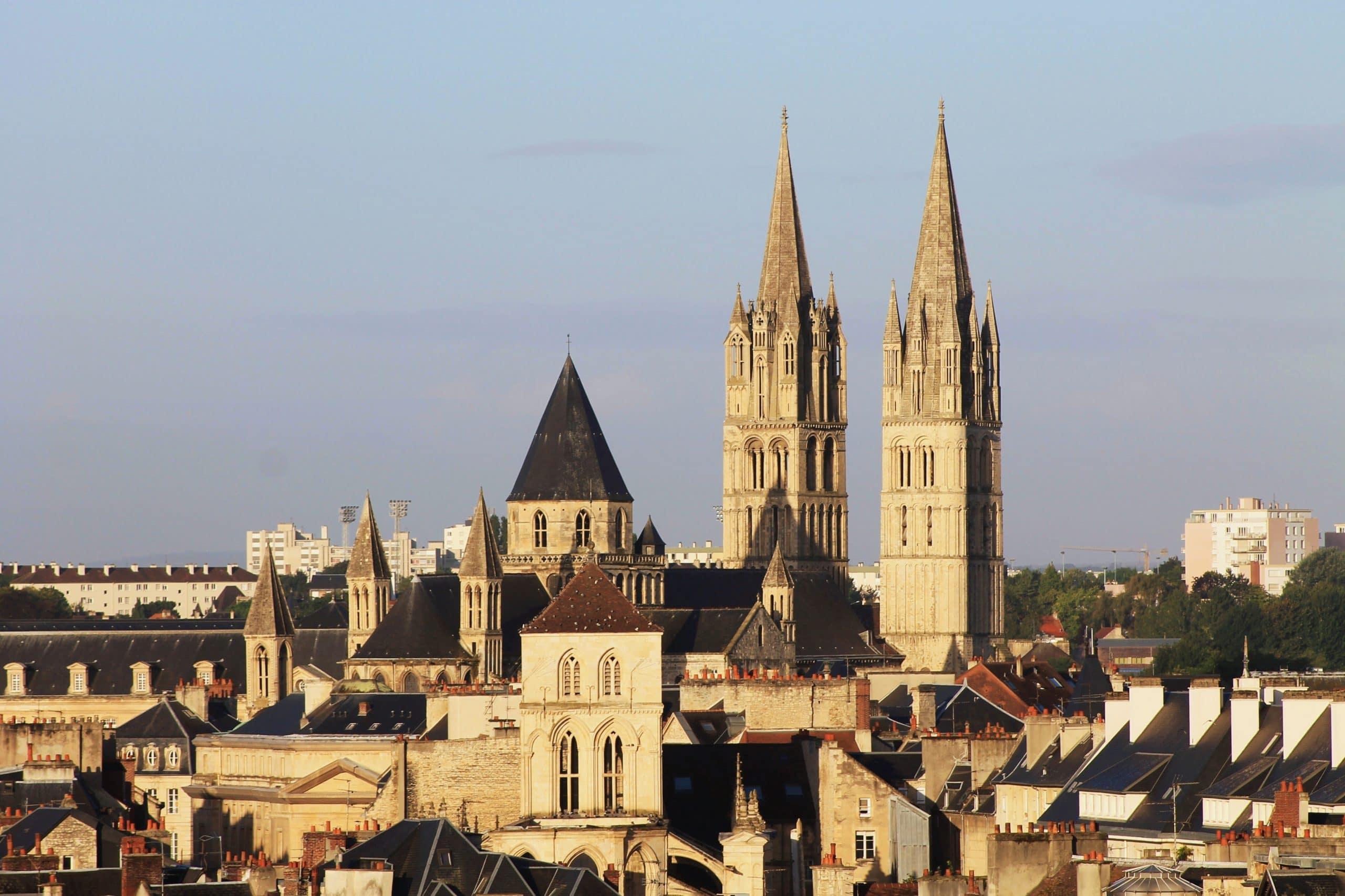Les clochers de la ville de Caen