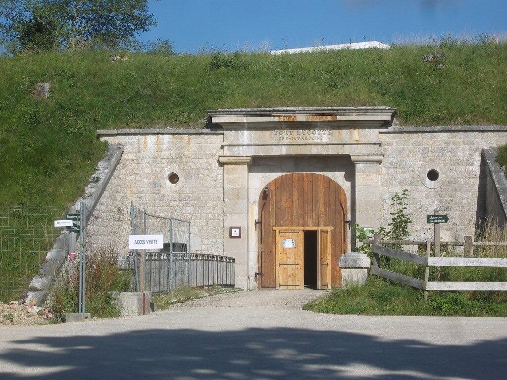 Les caves du Fort Saint-Antoine (Doubs)