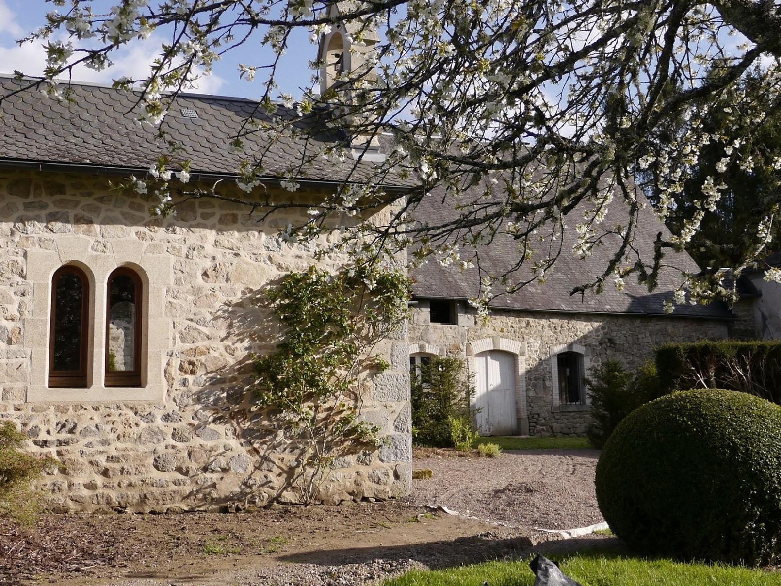 Arboretum Château de Neuvic d'Ussel Chapelle